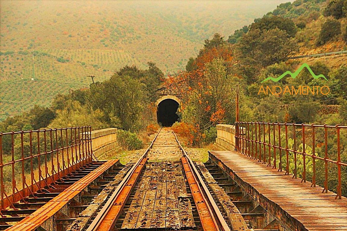Caminhada-Pochino-Túneis-Lafrageneda-Andamento-Turismo-Aventura-Caminhar
