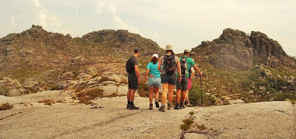 Trekking-e-Hiking-Andamento-Turismo-Aventura
