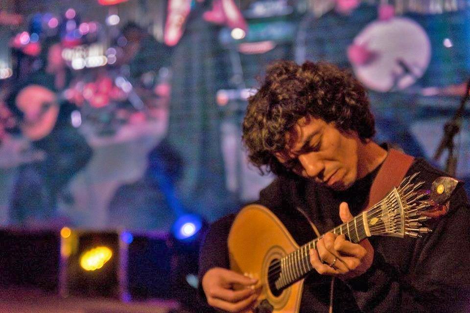 Guitarra Portuguesa na Vila de Sintra com Hugo Claro