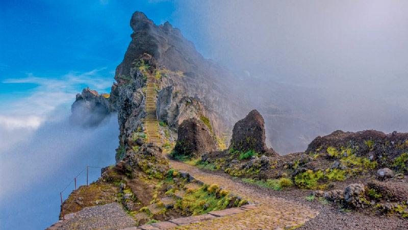 Travessia da Ilha da Madeira - Levadas, Pico Ruivo e Pico Areeiro