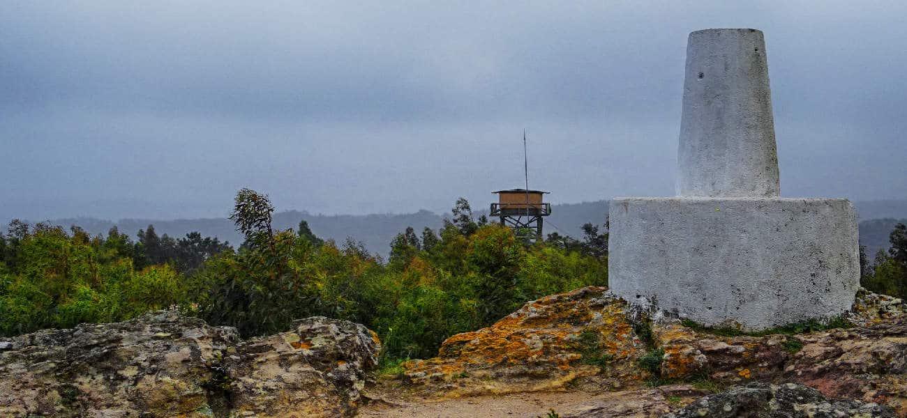 Caminhada Aqueduto de Belas + Grutas do Suímo